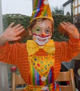 Dorn-Therapie bei Kindern - Clown